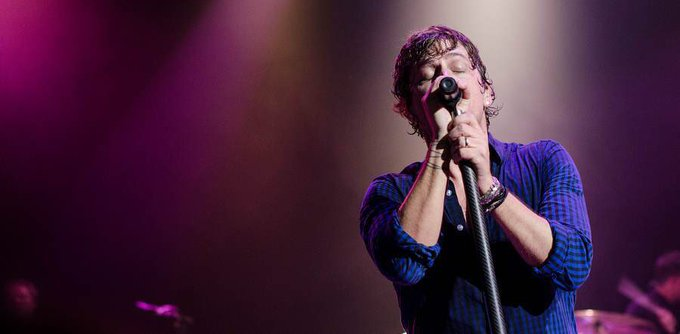 A very happy birthday to the great Rob Thomas!!!