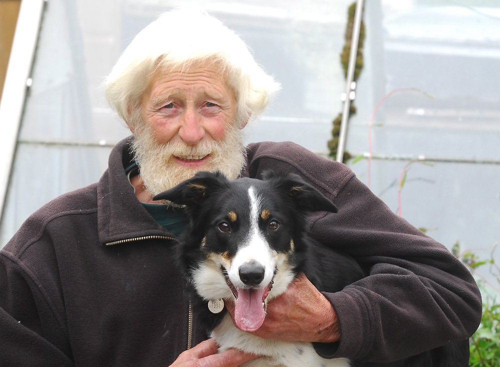 Tributes paid following death of Zoo's ex-birdkeeper Shep Mallet