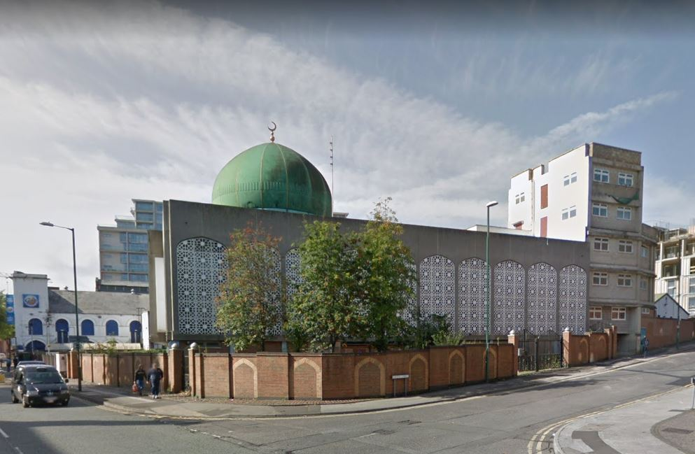 Mosque open day welcomes people from all faiths https://t.co/8FU3HUfsN6 https://t.co/vZR52cEN01