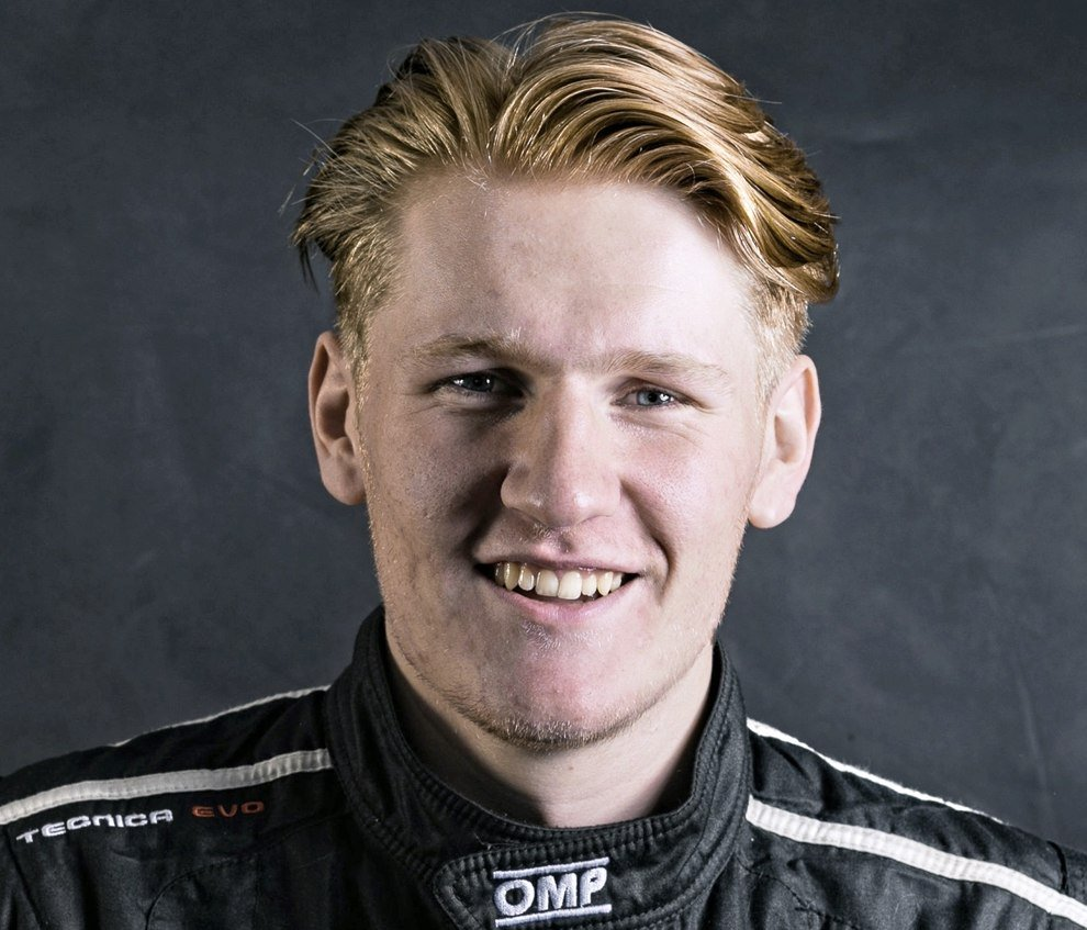 Rally champion switches to asphalt