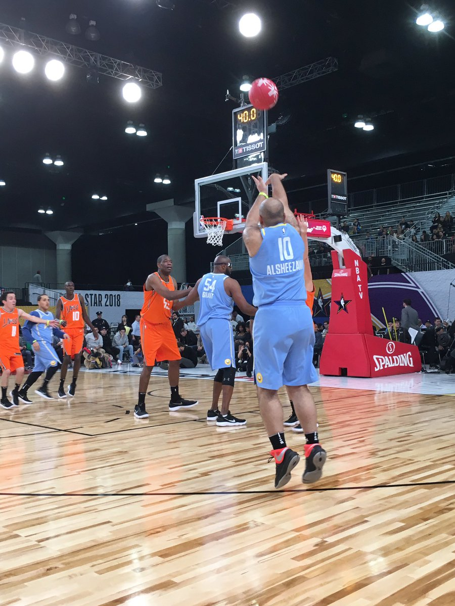 Coaches @kylekuzma & @Larrydn22 set Butti up for another 3! #NBAAllStar  #PlayUnified https://t.co/Im06UKcYUT