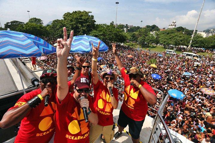 @BroadcastImagem: Monobloco arrasta multidão no Aterro do Flamengo no encerramento do Carnaval do Rio. Fábio Motta/Estadão