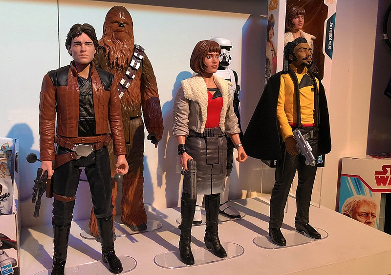 Hasbro Star Wars Toy Fair Gallery with Solo & More! - https://t.co/1TRgrUSlrf https://t.co/MEKvqx7VHC