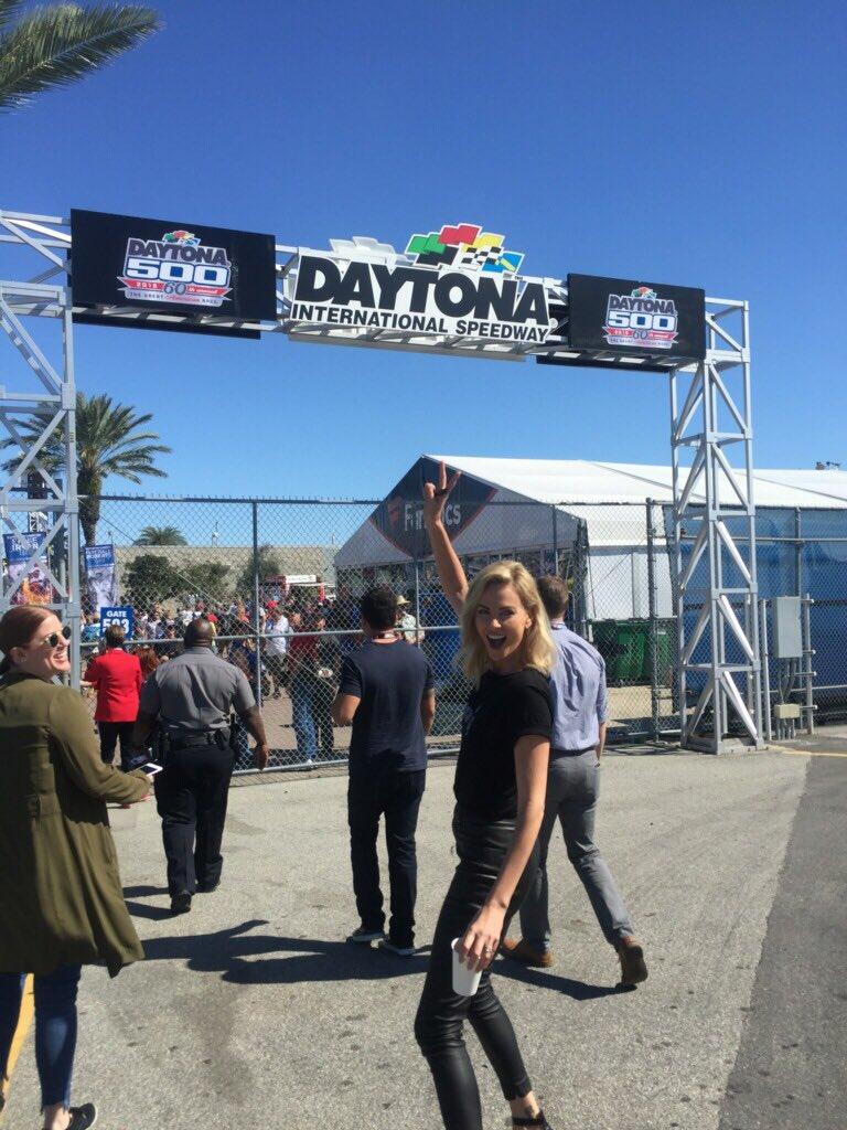 RT @gringomovie: Look who just arrived at #DAYTONA500 👀 @CharlizeAfrica #GringoMovie https://t.co/O9zJgfKGQN