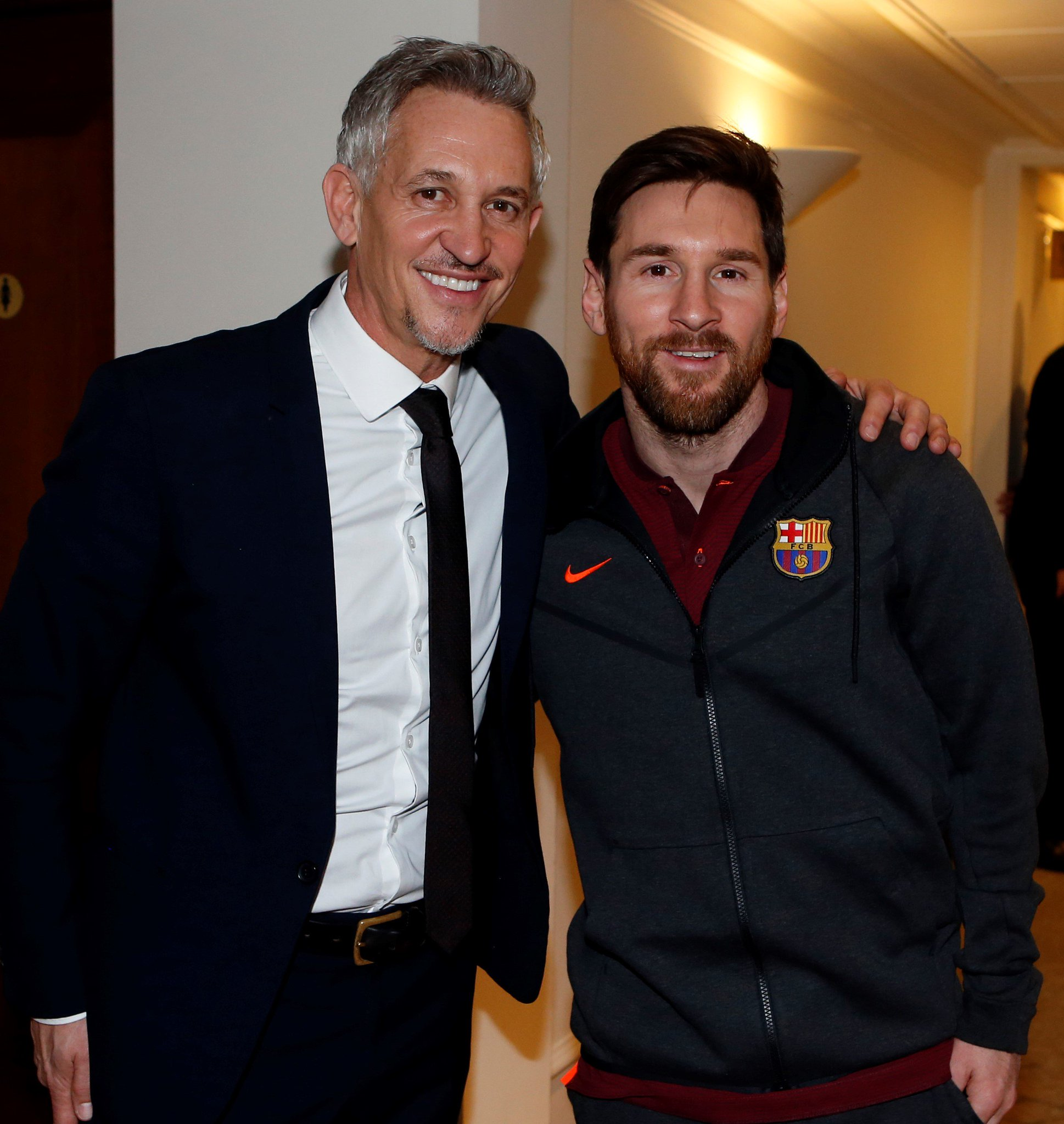�� London ⚽️ @GaryLineker and Leo #Messi �� Any advice, Gary? ���� #ChelseaBarça https://t.co/024te2LBID