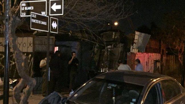 Persecución terminó con auto incrustado en domicilio de El Bosque