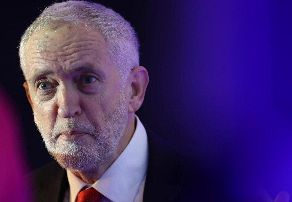 Corbyn warns bankers: finance will serve Britain under Labour https://t.co/MOmV4WM7oh https://t.co/RhyUCOST3A