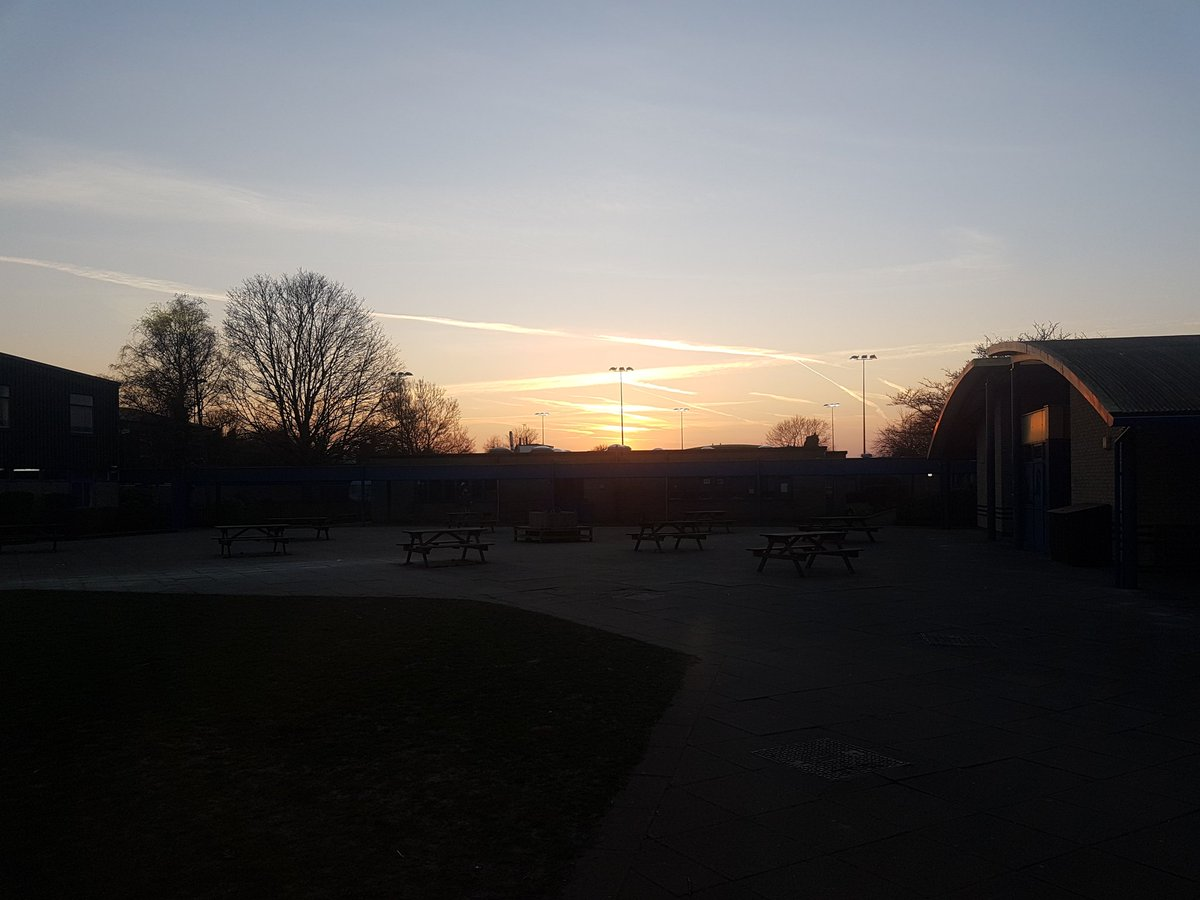 test Twitter Media - Beautiful sunset this evening for the Y9 options presentation; thanks for the fantastic turnout from parents and students 😁 https://t.co/a95lsUBfTR