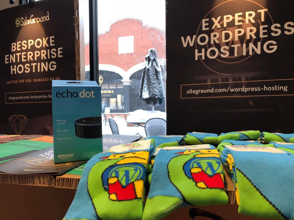 test Twitter Media - It is snowing outside. The hats & scarfs are gone, but we still have warm socks at our booth. #loopconf https://t.co/rsjZsrqyMT