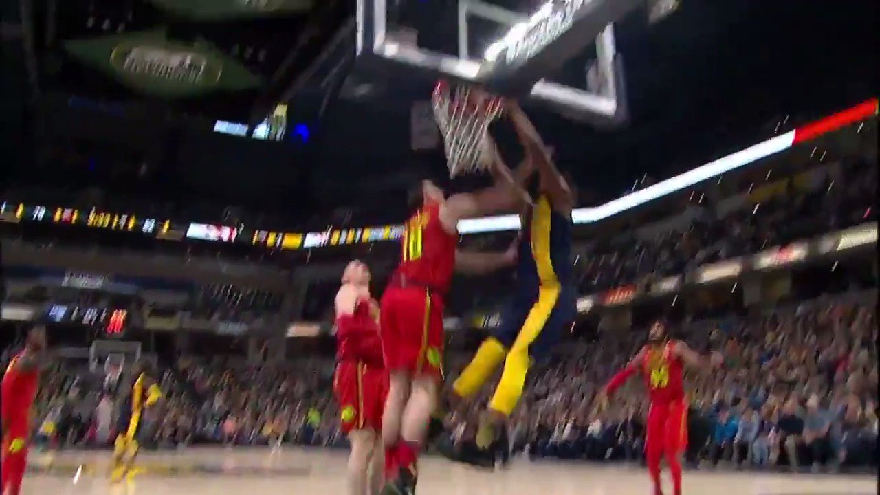 Oladipo with the beautiful no-look dime to Turner! #Pacers   ��: #NBALeaguePass https://t.co/dhVpiY5rV9