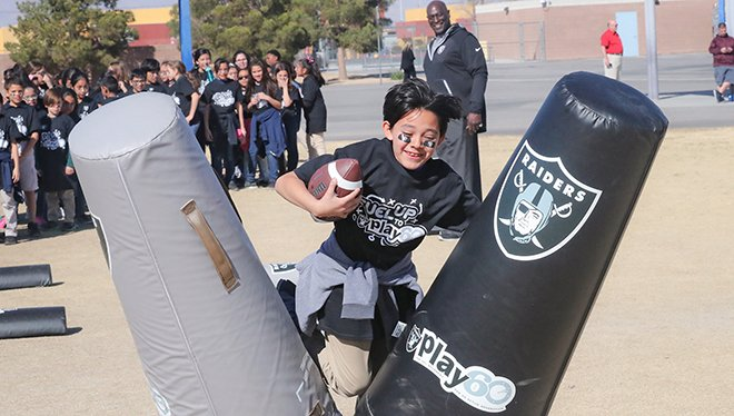 We recently teamed up to provide a $10,000 grant to Play 60.  Photos, gallery and more: https://t.co/BZOG66ratN https://t.co/VcW8DyEtxQ