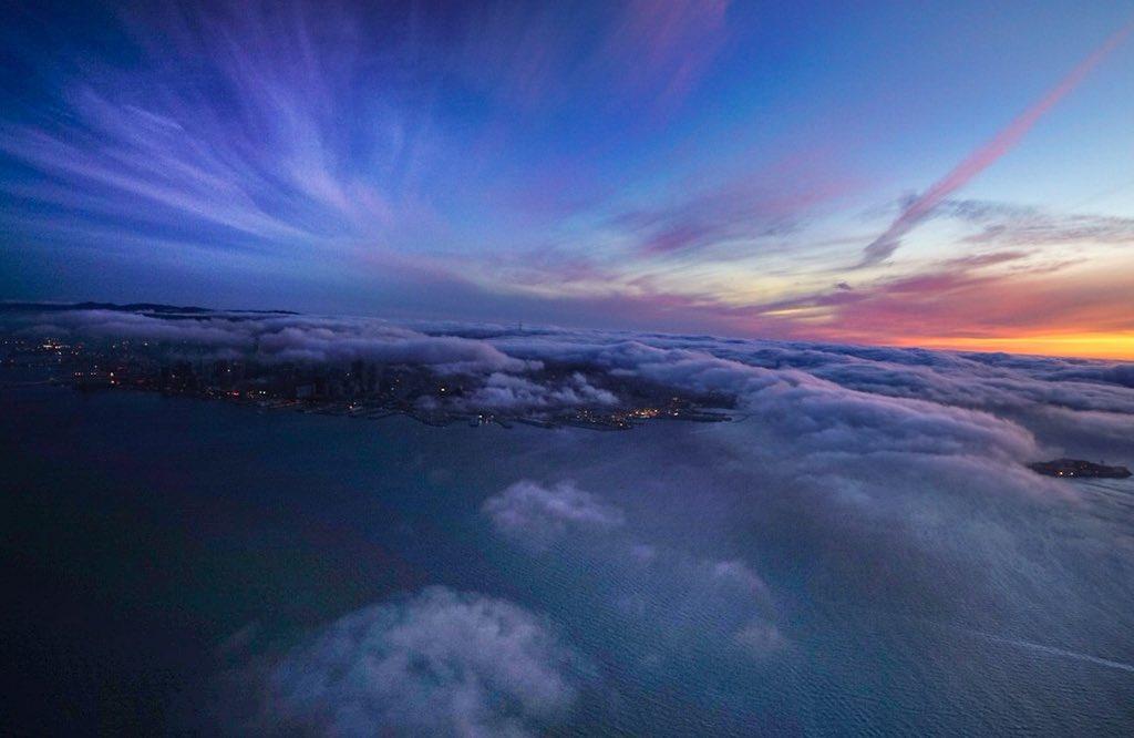 Beautiful #SanFrancisco Sunset Tonight 1100Ft Above The Bay @KTVU https://t.co/2JNcfZHTxg