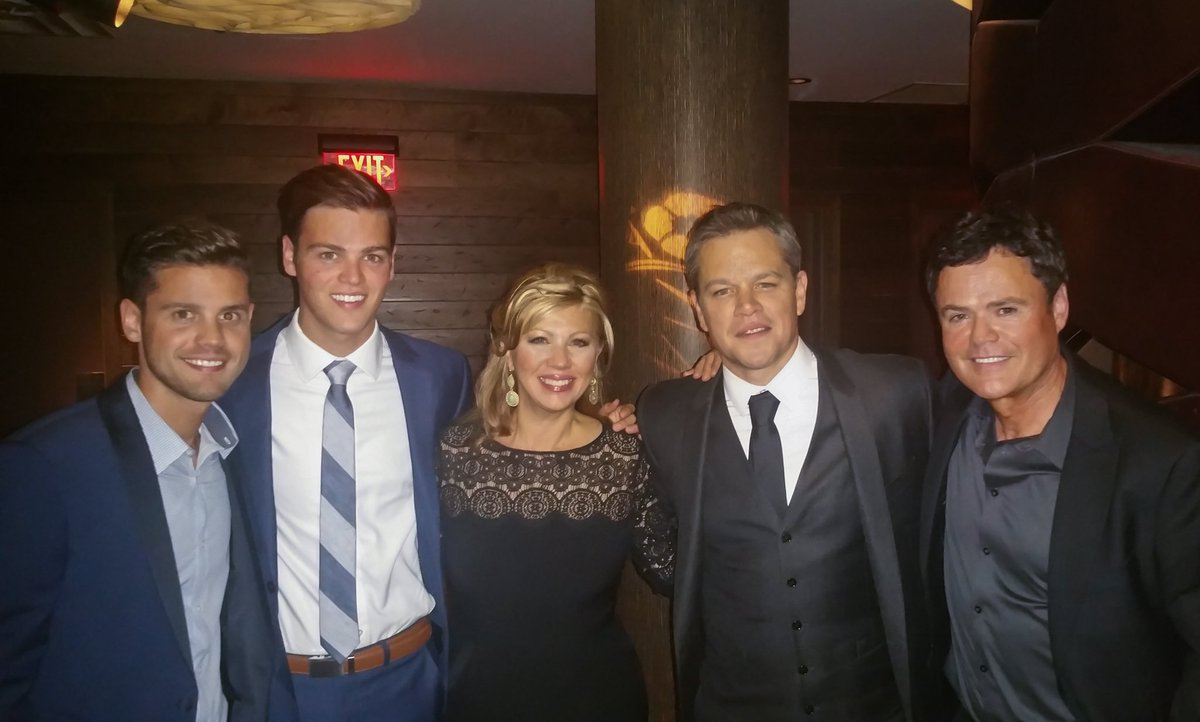 test Twitter Media - #Throwback to 3 years ago today when Debbie, Chris, Josh and I joined my buddy #MattDamon for the #JasonBourne premiere. Those action-packed car scenes did not disappoint. My boys grew up watching these movies together... *Bourne* and bred Jason Bourne fans! #FBF https://t.co/2p3oQg7n2g