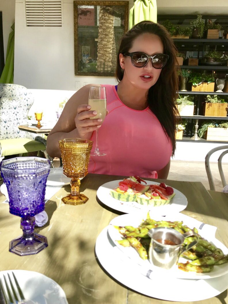 Brunch the Whist with friends. #spring #friends #vegas #model E0cZ6YxOsA