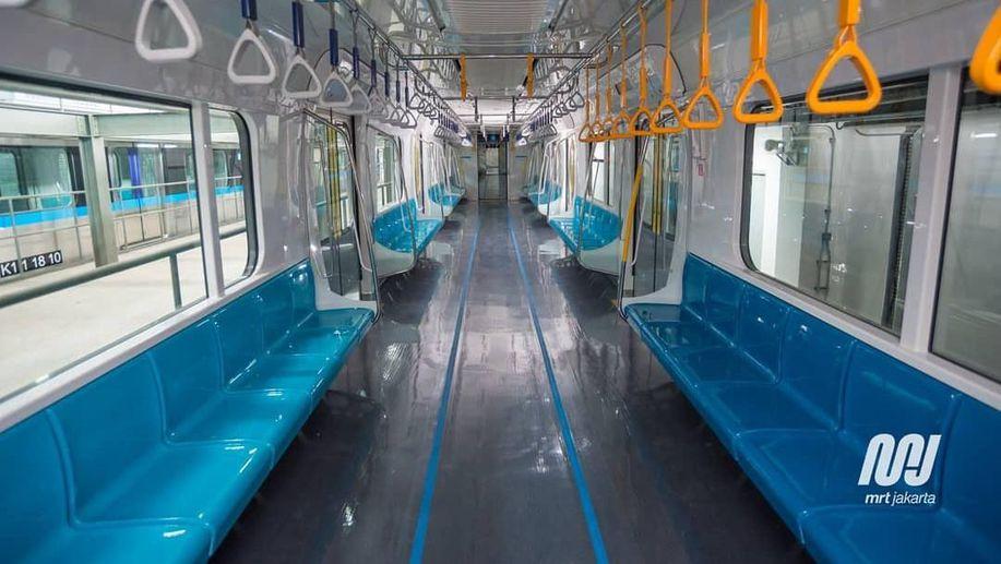 Kursi Kereta Disebut Mirip Metromini, Ini Kata MRT https://t.co/vfg8tIky3C https://t.co/0i9aWzNcJu