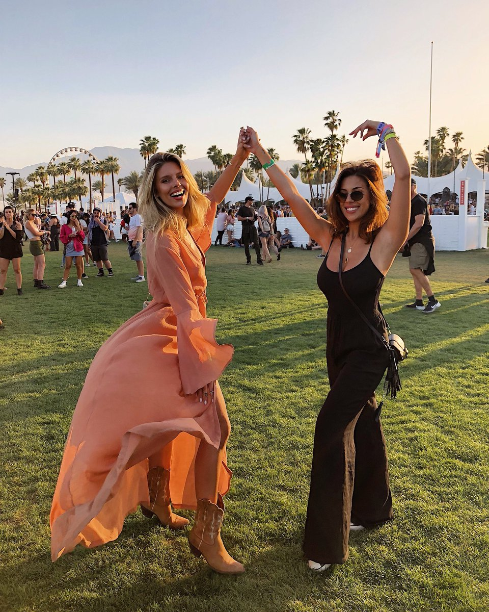 Running free ???????? Wearing all @mondayswimwear at Coachella with my favorite person @devinbrugman! https://t.co/gCJVqndXbt