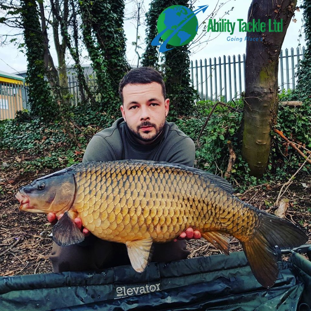Team member Arron Bell with this lovely 1<b>5lb</b> common on the weekend #CarpFishing #abilitytackl