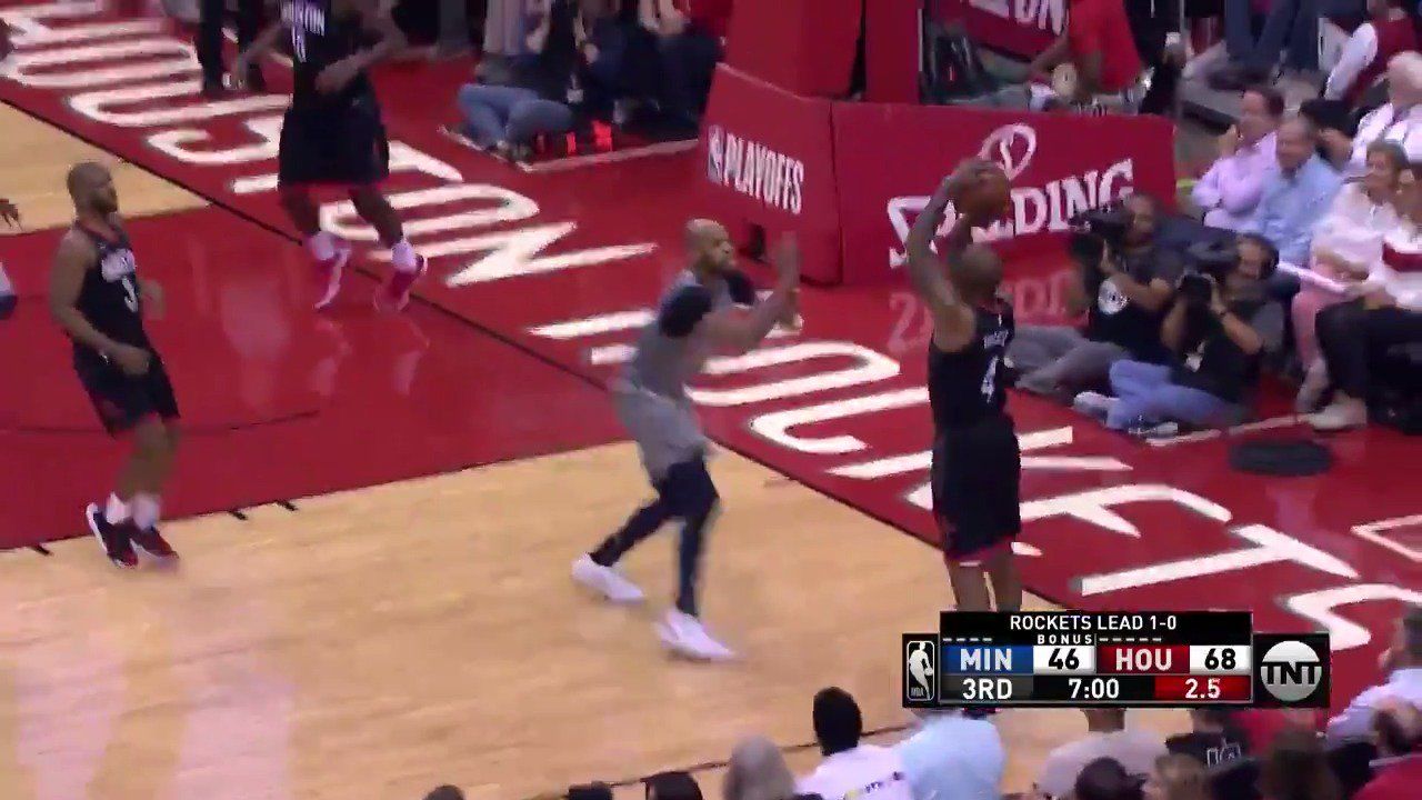 CP3 finds PJ Tucker for the corner triple and foul!  @HoustonRockets up 71-50 in Q3.  #Rockets @NBAonTNT https://t.co/T77ibrX5ns