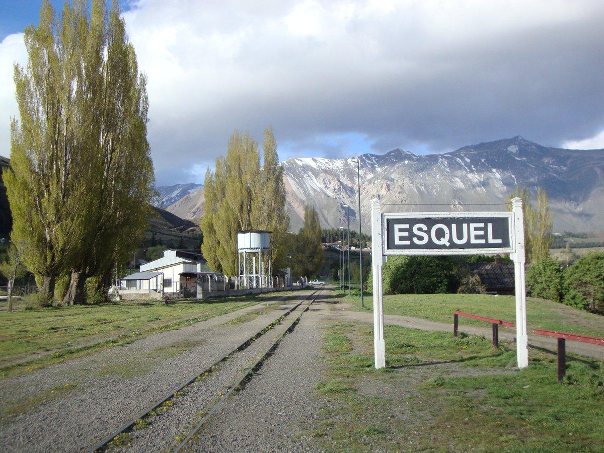RT @manijadeviaje: Esquel, Chubut. Argentina 🇦🇷🇦🇷 #RespiraArgentina #LocosXLaPatagonia https://t.co/ocBYEQpl5o