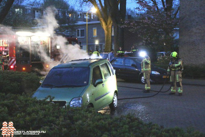Weer autobrand aan de Riddersdreef https://t.co/3dkcEhuJoL https://t.co/rdKH2w6kGc