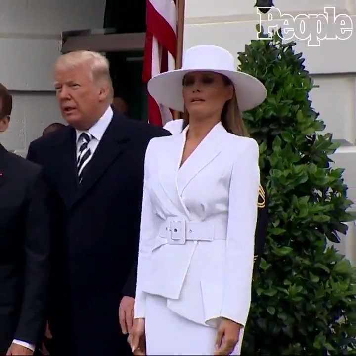 Melania keeps escaping Trump's tenderness, Macron offers his hand and cheek (VIDEO)
