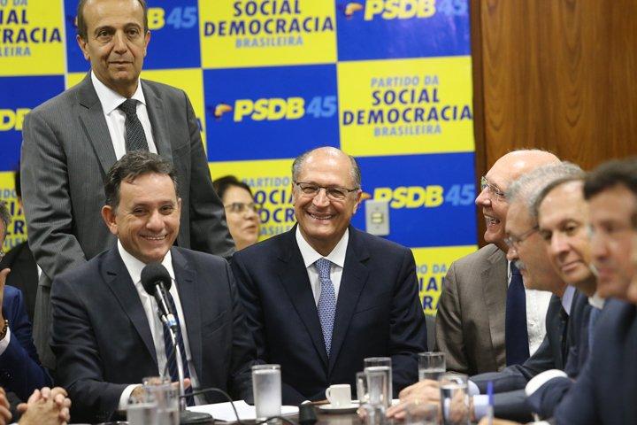 @BroadcastImagem: Alckmin se reúne com as bancadas estadual e federal do PSDB, no Congresso Nacional. Dida Sampaio/Estadão