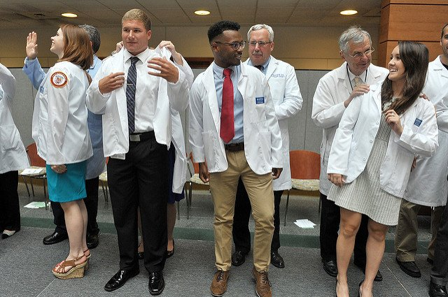 RT @LoyolaHSD: From white coat to cap and gown—wishing our Stritch medical students all the best on their graduation day! https://t.co/iiJ5…
