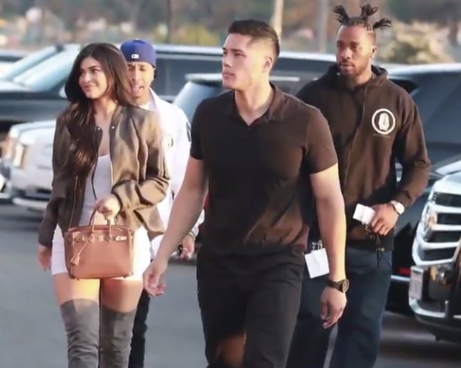 #KylieJenner's bodyguard wants y'all to fall back. �� #BETBreaks https://t.co/pH9ONempGB