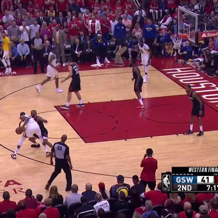 ������  KD has 15 PTS in the first half!  #NBAPlayoffs | #DubNation https://t.co/qgudDpQB6c