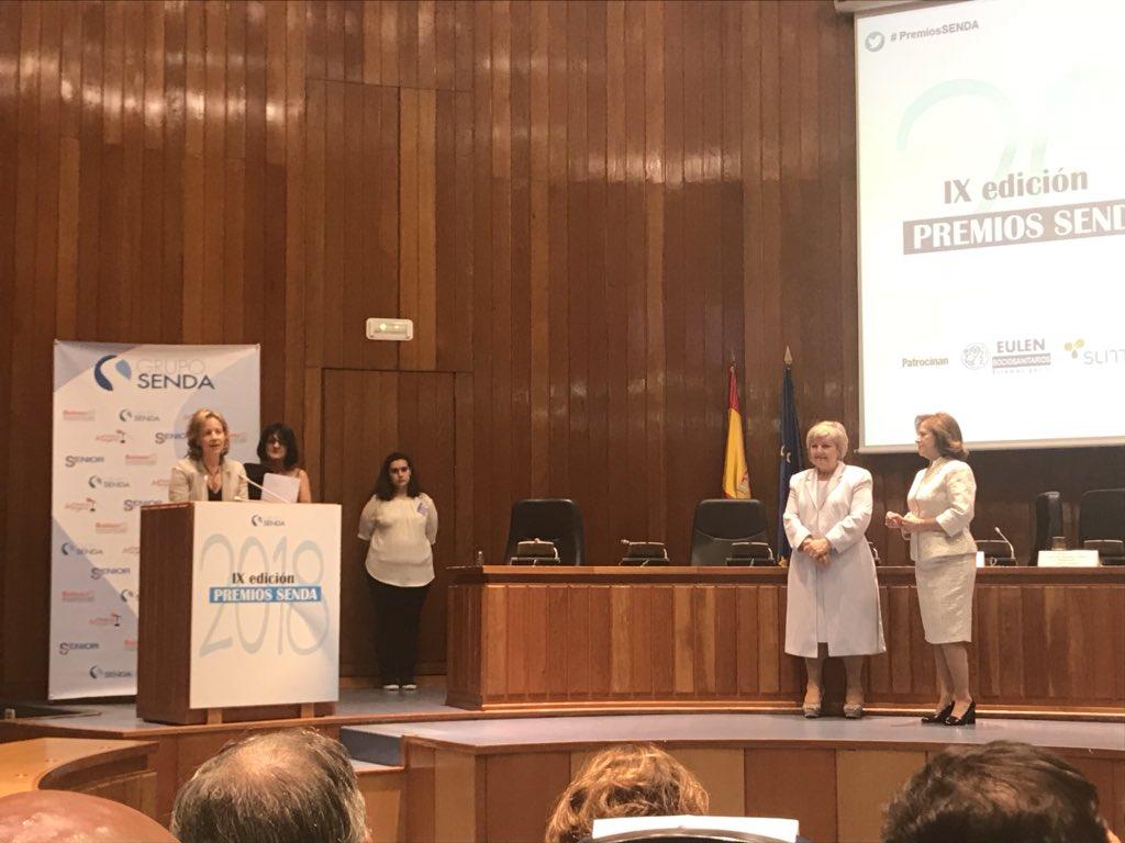 test Twitter Media - Natalia Roldán, Vicepresidenta de @AESTE_oficial felicitando a los ganadores de los #PremioSENDA y al @Grupo_SENDA https://t.co/n5NXiJOqUG