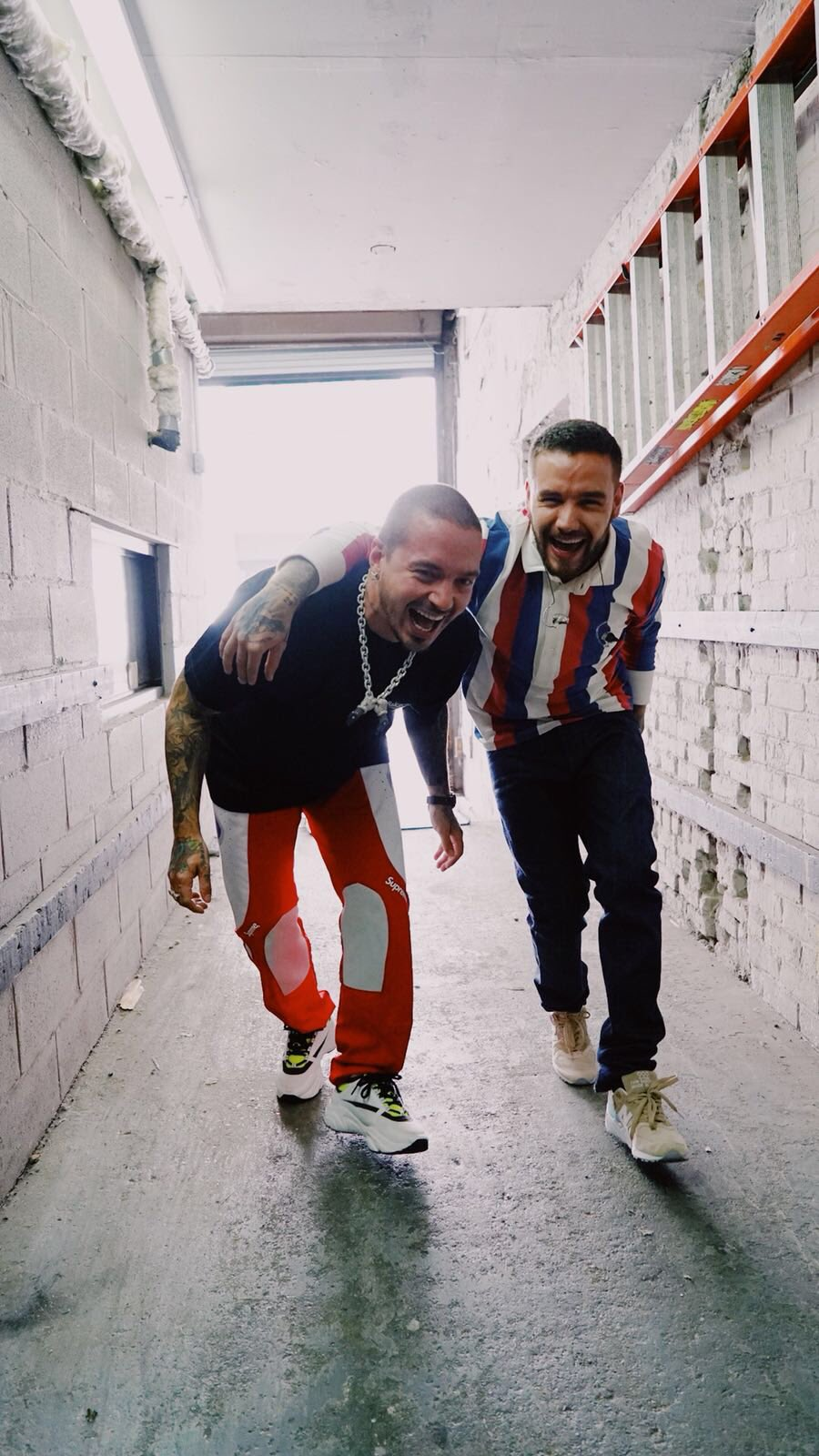 My bro @JBALVIN's new album #Vibras is out now! Go show your support �� https://t.co/KmxelQtffp