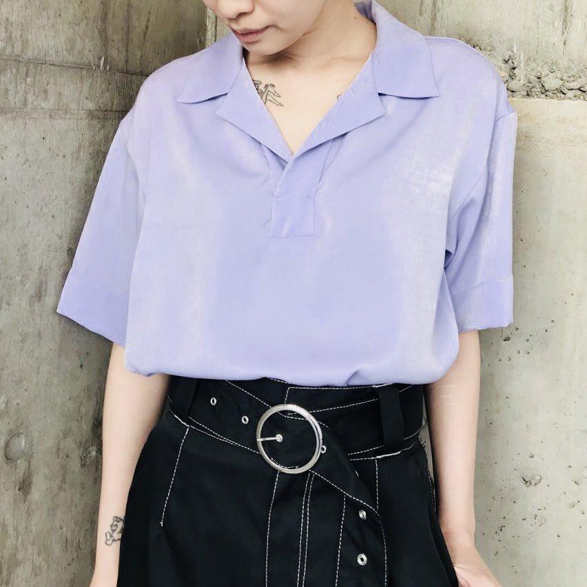 本日はスエードのような微起毛サテンを使用したオープンカラーのシャツをご紹介。  ◼︎ SATIN OPEN COLLAR SHIRT  zozo town↓ https://t.co/JgW67xDnq9  #gvgv https://t.co/K8tPW1ySsh