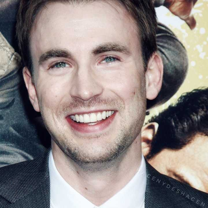 happy birthday Chris Evans my Captain America ,please Btless me to pass the four level of English