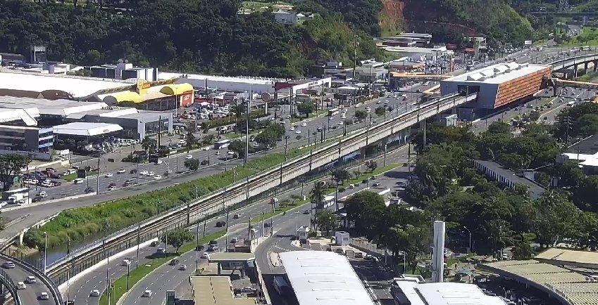 #Trânsito livre: • Avenida ACM e imediações da rodoviária. • Ligação Iguatemi-Paralela (LIP). https://t.co/WWwZeYHQGY