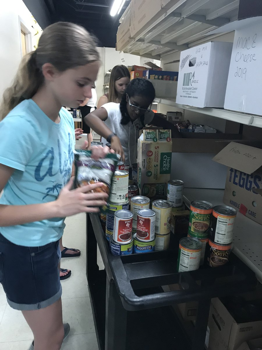 "test Twitter Media - Caring kids count! Leora Kurtz's Service Learning Summer School class volunteered at Northfield Township Food Pantry on 6/18. The course was designed for students who want to be involved in their communities. Other activities on ""giving back"" will be featured! #d30learns https://t.co/B80hU2XZX7"