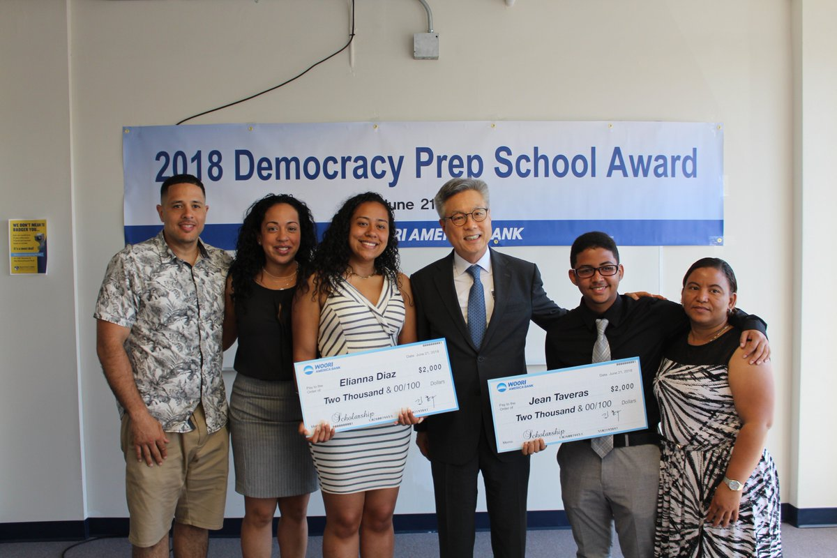 test Twitter Media - Thank you to Hong Koo Kim, CEO of @wooribank America, who personally came to award two scholarships to our @DPCharterHigh & @DPHarlemHigh scholars, Jean and Elianna! Congratulations to both Elianna and Jean who will also be graduating this Monday!  #DREAMBig #DPPSKorean https://t.co/vPYVbtHEUQ