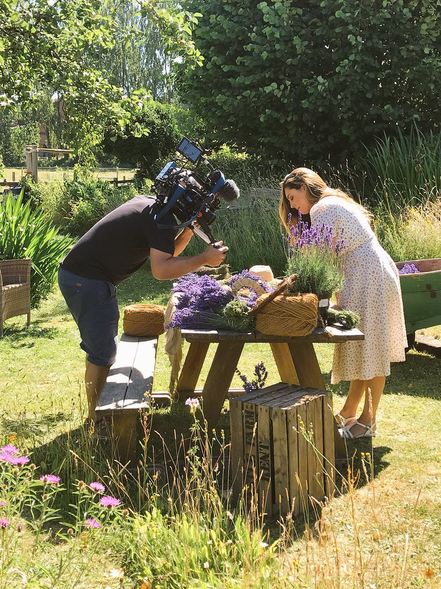 Showing you how to do Fun things with Lavender on @thismorning Next Week ????????????‍???? https://t.co/mh2dRfR7bI