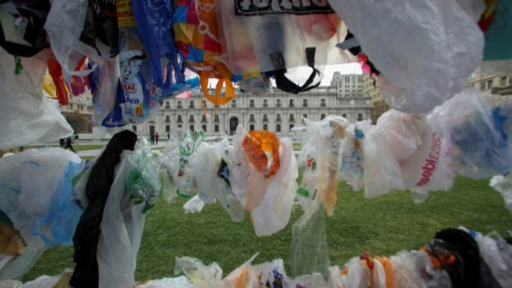 Chilean court ratifies plastic bag ban after appeal