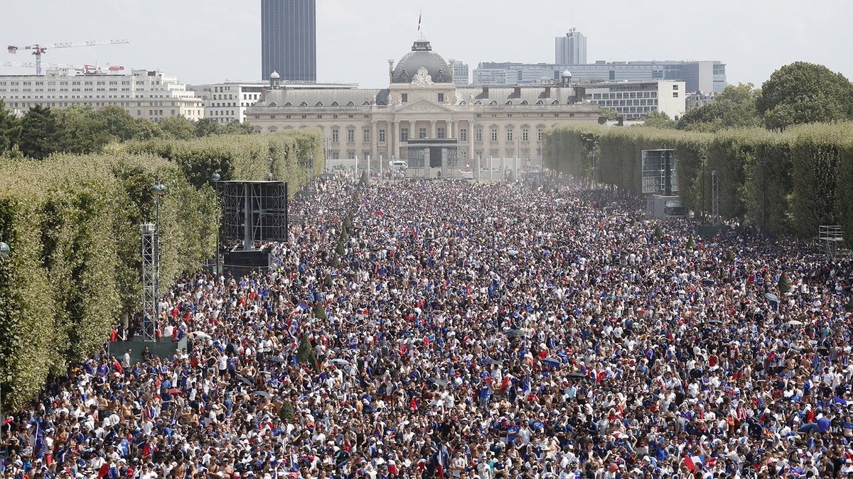 Paris and Zagreb right now WorldCupFinal