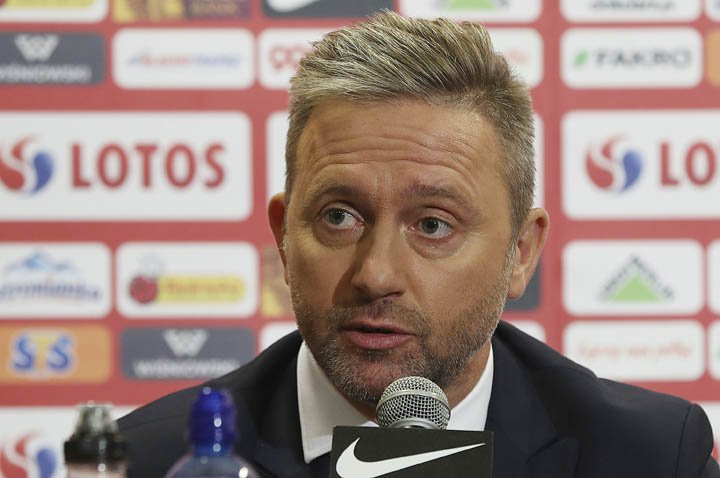@BroadcastImagem: Jerzy Brzeczek, novo técnico da Polônia, concede coletiva em Varsóvia. Czarek Sokolowski/AP