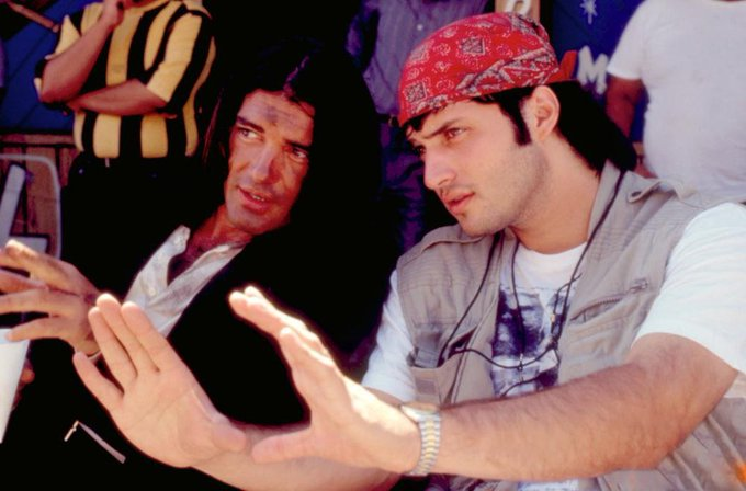 Happy 58th birthday to Antonio Banderas, seen here with Robert Rodriguez on the set of \Desperado\ (1995).
