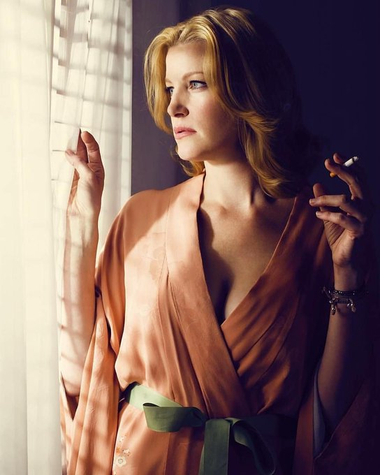 Bugün, Anna Gunn\ n 50. ya günü. Happy Birthday, bitch!