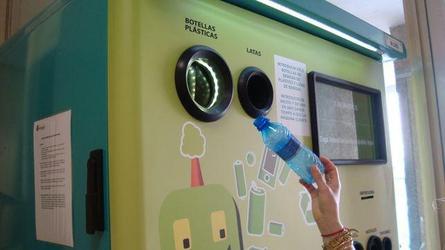 10 céntimos por tu botella de plástico: ¿Vuelve el sistema de retorno para reciclar envases? https://t.co/dfIIJ5955U https://t.co/XVBuBQT8oI