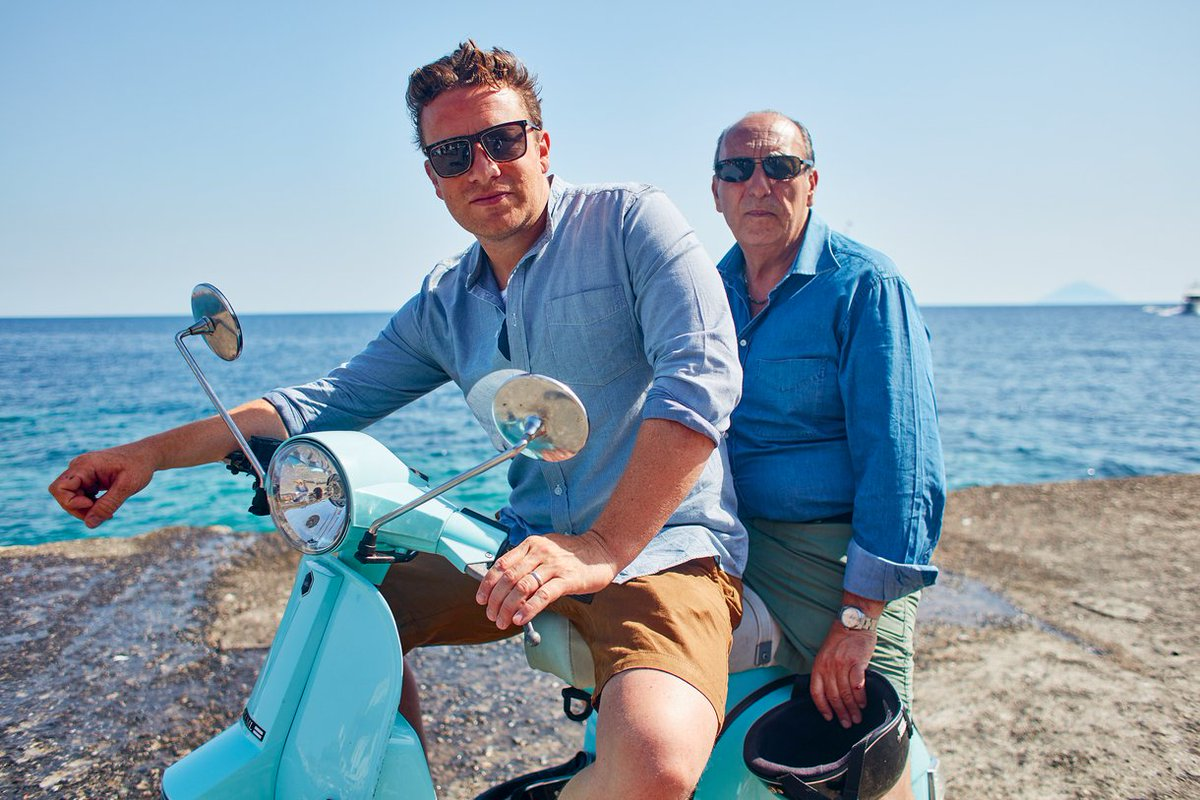 5 MINUTES TO GO! ????????  The brand new series of #JamieCooksItaly starts over on @Channel4. https://t.co/si3J7FuFHa