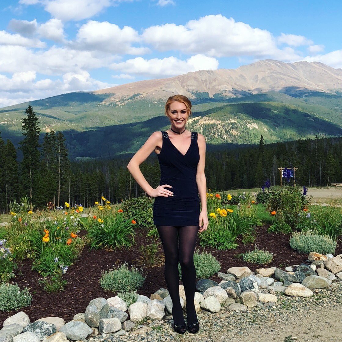 Colorado is so beautiful!!! Too cold for me tho!! Had to go 90s style the wedding today with the tights