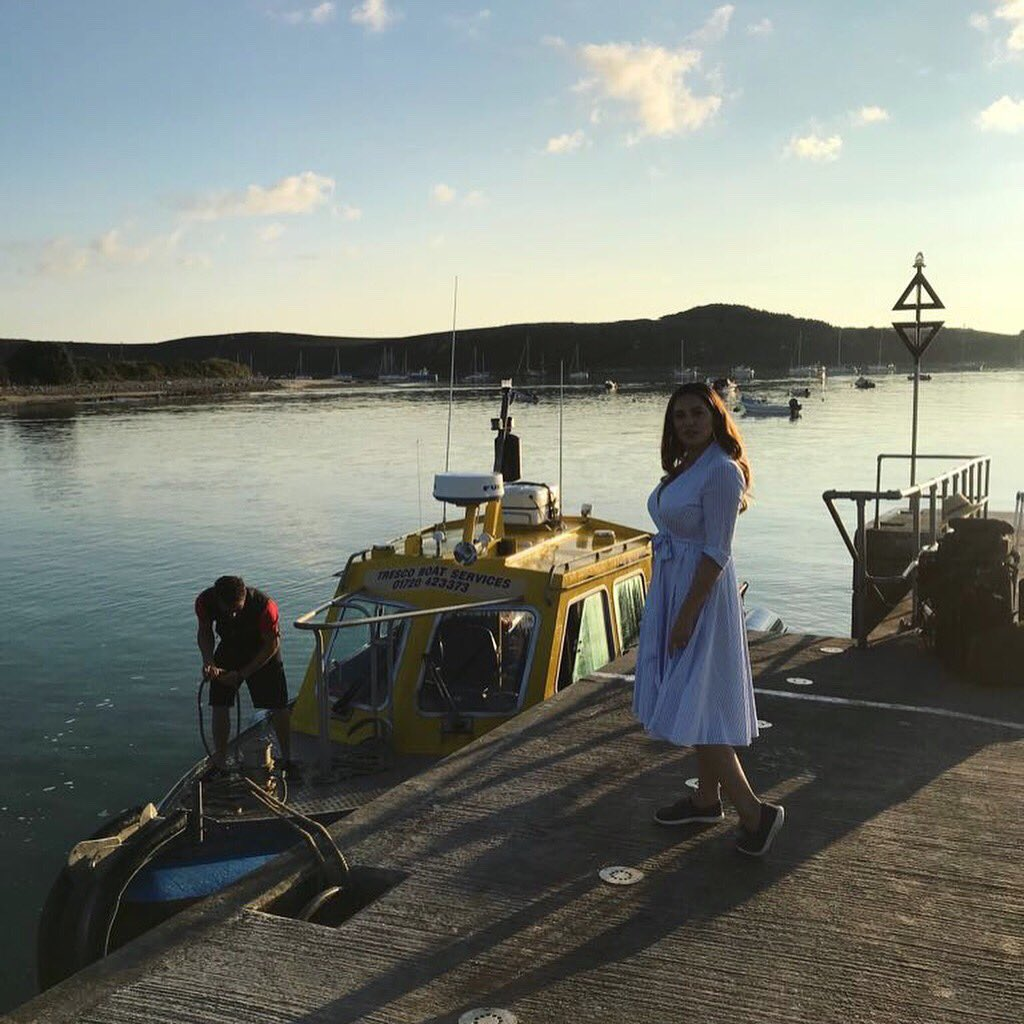 Catch me on @thismorning Today where I'll be taking you in a tour of the Isles of Scilly. Meeting the Locals ????????‍???? https://t.co/voYg7nKoGl