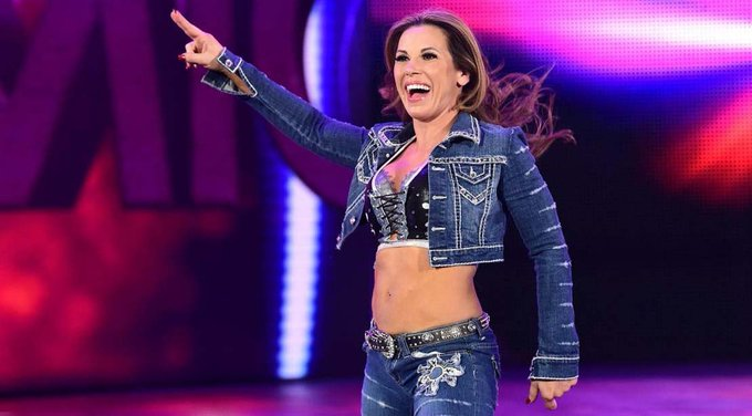 Happy Birthday to Mickie James, who turns 39 today! {