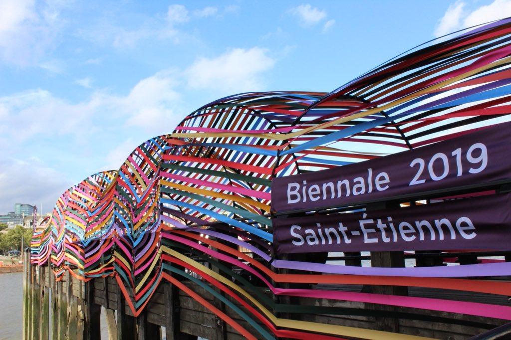 #designjunction c'est parti ! @lacitedudesign est présente sur les bords de la Tamise avec la #gatewaytoInclusion et invite le design mondial à la #BiennaleDesign19 en mars prochain https://t.co/87YRtUrewE