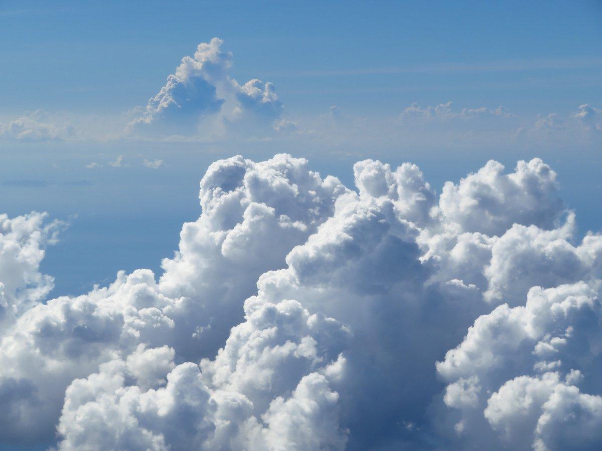 RT @arakencloud: 9月20日は #空の日 とのことなので,空の写真をどうぞ.#雲を愛する技術 #雲の教室...