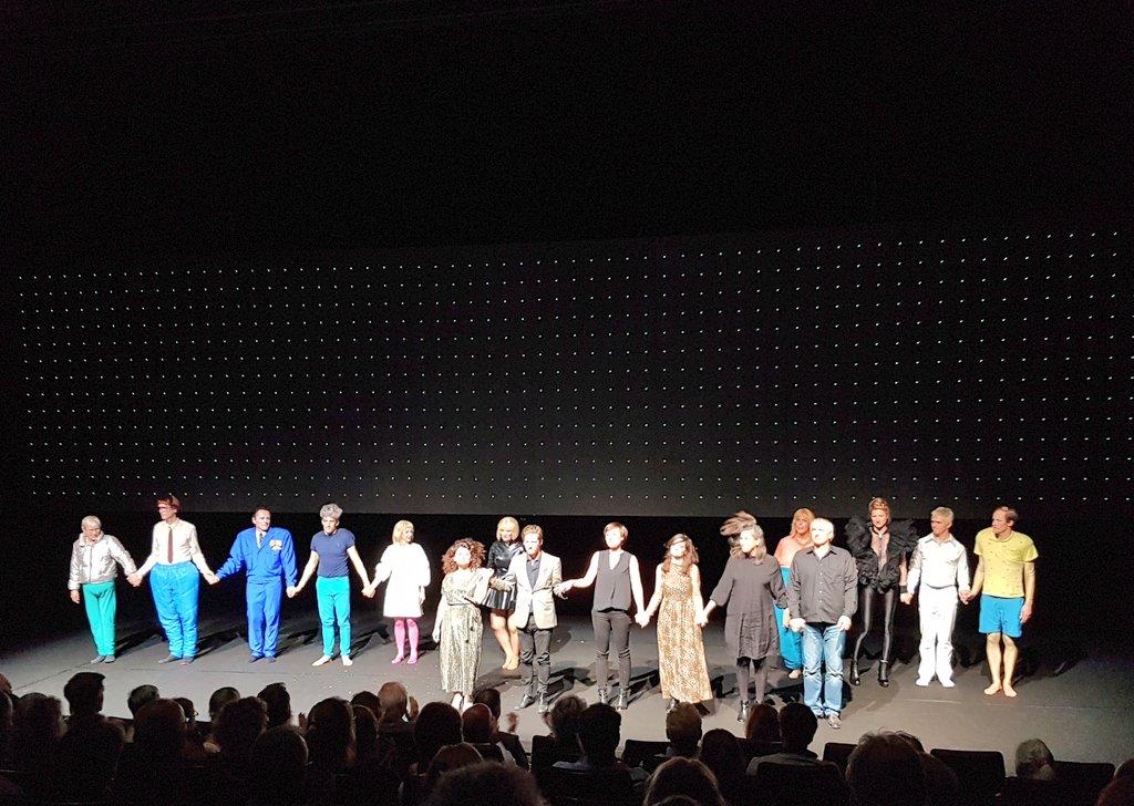 """test Twitter Media - Laut, bissig und ziemlich komisch. """"Drei Schwestern"""" im @schauspielkoeln #Premiere #Theater #Tipp https://t.co/ANQY2X4ATK"""
